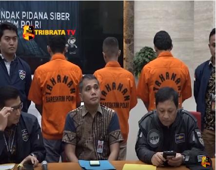 TIGA HACKER E COMMERECE DICIDUK POLISI