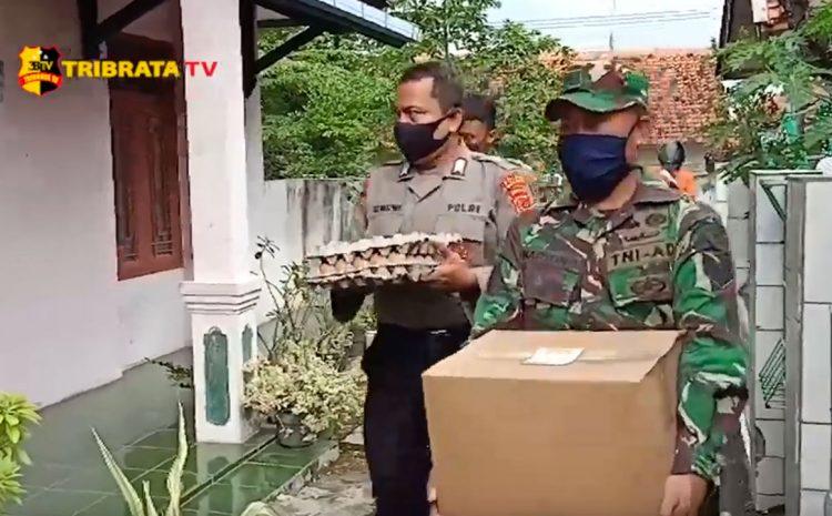 TNI-POLRI KAWAL PENDISTRIBUSIAN BANSOS SEMBAKO DI MAJALENGKA