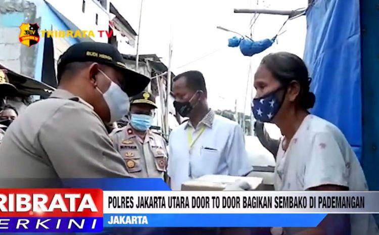POLRI PEDULI; POLRES JAKARTA UTARA DOOR TO DOOR BAGIKAN SEMBAKO DI PADEMANGAN